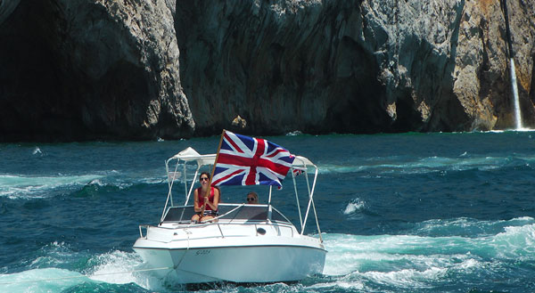 union-jack-small-boat-w