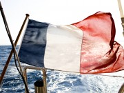 french-flag-on-yacht